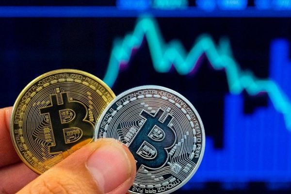 Bitcoin Drops to 3-week Low After Comments From US Tax Chief