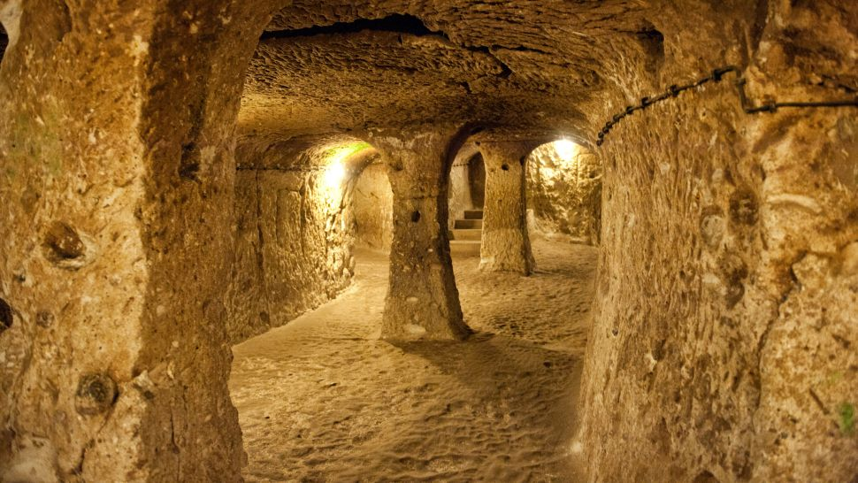 Have Any Human Societies Ever Living Underground In History?