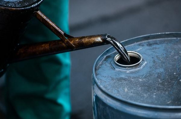 Oil prices jump over $2 after drawdown in U.S. stocks